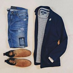 Are you wondering how to wear white sneakers for men or how to look sharp in simple jeans and casual shirt outfits? Then this 30 coolest casual street style looks is just the perfect guide you need to help you look AMAZING! Fashion Mode, Tomboy Fashion, Mens Fashion, Style Outfits, Casual Outfits, Fashion Outfits, Mode Masculine, Stylish Men, Men Casual