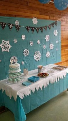Snowflakes party. Frozen