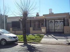 Casa a la venta 2 dormitorios zona Ramirez y Santos Dominguez : Martirania Inmobiliaria