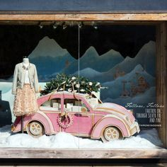 A Gingerbread VW! Anthropologie USA Christmas Windows 2015 | International Visual