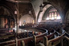 35 Haunting Photos Of Urban Decay Show How The World Would Be Without Humans -- The Woodward Avenue Presbyterian Church in Detroit lays in disrepair after years of neglect. Abandoned Buildings, Abandoned Detroit, Old Buildings, Abandoned Places, Detroit Ruins, Places Around The World, Around The Worlds, Woodward Avenue, Haunting Photos