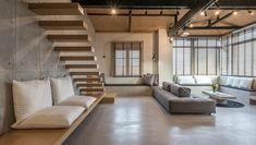 3 ideias para o espaço da escada inspiradas neste apê na Grécia