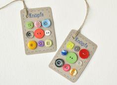2 Knopf Karten Kraftpapier als Geschenk Anhänger