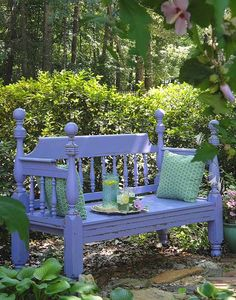 Headboard Bench in a courtyard. many clever ideas to recycle a doubel/quen headboard into a bench Diy Furniture Projects, Furniture Makeover, Upcycled Furniture, Painted Furniture, Bed Furniture, Woodworking Projects, Outdoor Spaces, Outdoor Living, Outdoor Decor