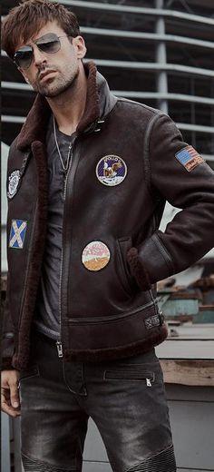 Pilots Coat Men s Shearling Sheepskin Jacket Men s Fur Coat Aviation  Leathercraft Flying Jacket Sheepskin Jacket Mens 4b3422f05