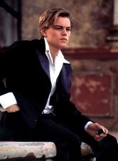Leonardo DiCaprio in romeo and juliet <3