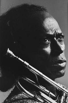Jazz Artists, Jazz Musicians, Music Artists, African American Artist, African American History, American Artists, Miles Davis, Swing Jazz, Greys Anatomy Memes