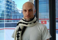A great gift for your favorite science fan: a scarf knitted with brain waves!