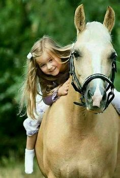 Country Kids / girl and horse Animals For Kids, Animals And Pets, Baby Animals, Cute Animals, Pretty Horses, Beautiful Horses, Animals Beautiful, Horse Girl, Horse Love