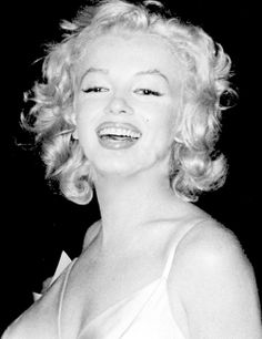 Marilyn at the premiere of The Prince and the Showgirl, 1957.