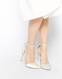 Ivory Wedding Shoes with Pretty Details - MODwedding