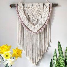Macrame Art, Macrame Design, Macrame Projects, Macrame Jewelry, Heart Wall, Heart Patterns, Weaving, Wall Decorations, Hanging Chair