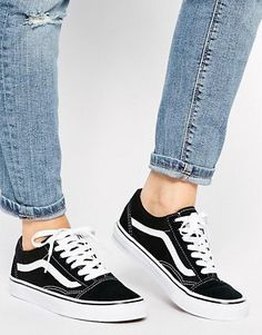 Vans – Old Skool – Classic Sneakers - Trend Mode 2019 Vans Outfit, Nike Outfits, Women's Shoes Sandals, Shoe Boots, Shoes Sneakers, Zapatillas Nike Huarache, Cute Shoes, Me Too Shoes, Red Shoes