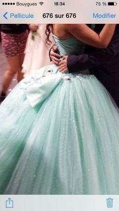 461e88564a5 Très belle robe de mariage couleur vert d eau