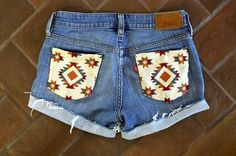 DIY: decorated shorts-Summer time is here...Bare some skin ladies...Get them legs out and about...hahha. Who wants a pair of these? *^___^*