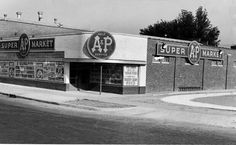 A&P corner of North Broadway and East North, Decatur Illinois