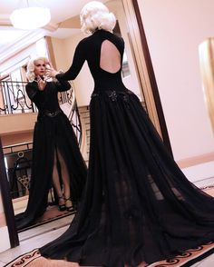 Miror my beautiful miror  Miroir mon beau miroir   Pic by @yanmaisani at @martinezhotel  #teamvegane #drag #dragqueen #rpdr #beautyqueen #paris #blondehair #parisian #gay #fierce #retrostyle #retrogirls #lacewig #frontlacewig #frontlace #fashion #fashionmodel #cannesfilmfestival #femmefatale #cannes2016 #lorealmakeup #martinez #hotelmartinez #grandhyatt #glamour #glamourous #miror #miroir #moviestar #diamonds by _vegane_