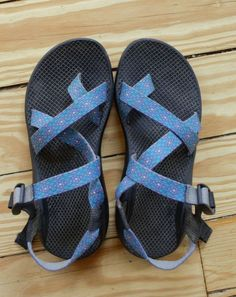 Women's Blue Chacos Sport Sandal size 9 Ankle Strap Geometric- GREAT CONDITION #Chaco #AnkleStrap