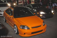 I'm not a fan of orange but this is gorgeous. Honda Civic Si Coupe, 1999 Honda Civic, Honda Civic Vtec, Honda Civic Limousine, Civic Jdm, Civic Coupe, Honda Accord, Honda S2000, Honda Cars