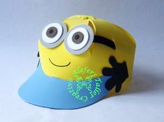 gorritas minion Minion Gifts, Minion Party, Crazy Hat Day, Crazy Hats, Foam Crafts, Diy And Crafts, Crafts For Kids, Minions Eva, Paper Hat Diy