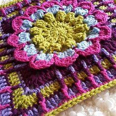 Ravelry: Rachel Block pattern by Melissa Green Crochet Bunting, Crochet Squares Afghan, Crochet Blocks, Baby Blanket Crochet, Granny Squares, Square Patterns, Afghan Crochet Patterns, Crochet Motif, Crochet Granny