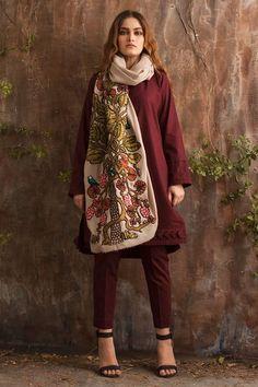 Women S Fashion Kentucky Derby Simple Pakistani Dresses, Pakistani Fashion Casual, Indian Fashion Dresses, Pakistani Dress Design, Indian Designer Outfits, Pakistani Outfits, Stylish Dresses, Casual Dresses, Summer Dresses