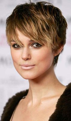20 Ideas for short choppy haircuts. Best and unique short choppy haircuts. Enhance your straight, curly, fine or thick hair with these amazing haircuts. Short Hair With Layers, Short Hair Cuts For Women, Short Hair Styles, Short Choppy Haircuts, Layered Haircuts, Popular Short Hairstyles, Pixie Hairstyles, Hairstyles 2018, Pixie Haircuts