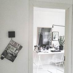 Perfekt innedag! Blir nog att ta fram lite sköna mattor idag inför hösten.  #myoffice #lenaeng #lantlivleksand #playtype #interiordesign #interior #styling Office Desk, Instagram Posts, Furniture, Home Decor, Desk Office, Decoration Home, Desk, Room Decor, Home Furnishings