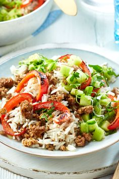 Hack-Reis-Pfanne - Einfaches kann so unglaublich gut schmecken! Rice Recipes, Beef Recipes, Salad Recipes, Healthy Recipes, Gym Food, Healthy Comfort Food, Salad Ingredients, Popular Recipes, Grilling Recipes