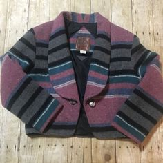 Southwestern style jacket Women s medium Made in Canada Hook enclosure on  inside of jacket Great vintage condition 940fdc3078ef