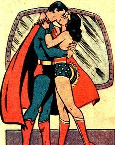 Superman/Wonder Woman- old school SMWW kiss