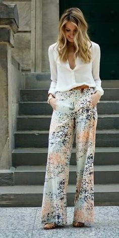 Palazzo Pants Outfit For Work. 14 Budget Palazzo Pant Outfits for Work You Should Try. Palazzo pants for fall casual and boho print. Fashion Mode, Look Fashion, Womens Fashion, Fashion Trends, Latest Fashion, Swag Fashion, Fashion Pants, Hijab Fashion, Fashion Ideas