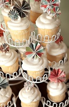 Cute pinwheel toppers for cupcakes!