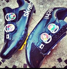WHOA, wait a damn minute @girosportdesign WTF is this? Empires w/ Boa @Skratch Labs customs? Dope shit commence now.