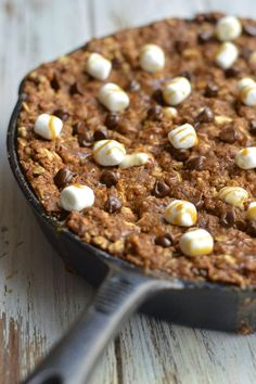 Virtually Homemade: Oatmeal Caramel Skillet Cookie with Marshmallow and Chocolate {Gluten Free Option} #comfortfoodfeast