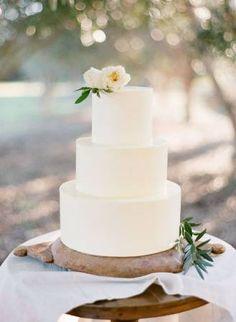 minimal white wedding cake