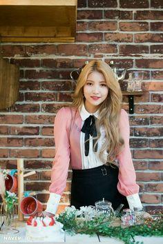 Naver x Dispatch - Gfriend Sunrise Kpop Girl Groups, Korean Girl Groups, Kpop Girls, Extended Play, Gfriend Album, Gfriend Sowon, Wendy Red Velvet, Cloud Dancer, Red Velvet Seulgi