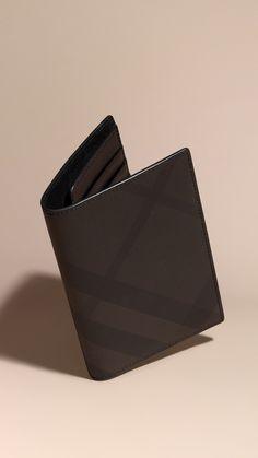 Étui pour passeport à motif London check Chocolat/noir | Burberry