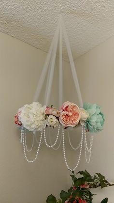 Elegant flower and pearl tulle mobile Nursery Room, Girl Nursery, Girl Room, Girls Bedroom, Nursery Decor, Flower Mobile, Baby Decor, Diy Room Decor, Paper Flowers