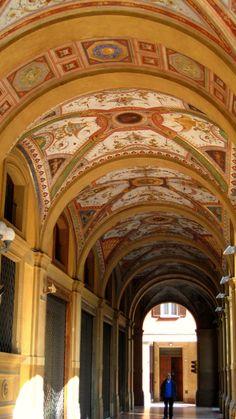 PORTICO DEL PALAZZO DELLA BANCA D'ITALIA (Door of the Palace of the Bank of Italy) in Bologna, Italy