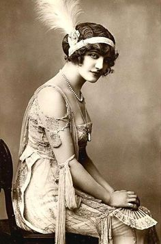 Lily Elsie/Belle Époque - was a popular English actress and singer during the Edwardian era; @melisakalan01 🍃
