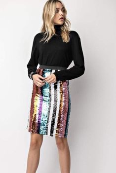 Striped Skirt Outfit, Pencil Skirt Outfits, Stripe Skirt, October Outfits, Sequin Pencil Skirt, Pink Sequin, Printed Skirts, Chic Outfits, Cute Dresses