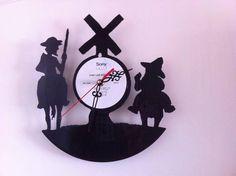 Don Quijote y Sancho. Reloj de pared en disco de vinilo. Hecho a mano. Francisco Vitale. Antofagasta, Chile. Facebook: Vinilos Para Siempre