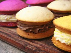 How to Make Cupcake Sandwiches   Recipes and Directions for Making Cupcake Sandwiches with a Boxed Cake Mix