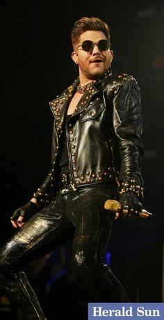@NormOorloff  ·  Aug 29 Queen play @rod_laver_arena tonight @theheraldsun #melbourne @ adamlambert @queenwillrock