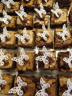 Brownies de Puro Chocolate Meio-Amargo. Apliques comestíveis por Piperinapaperart.