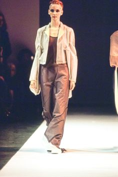 Comme des Garçons Spring 1994 Ready-to-Wear Fashion Show - Debbie Deitering