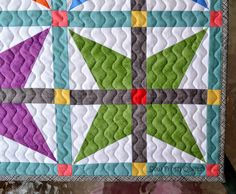 A modern quilt blog focused on practical tutorials and quilting tips. Sharing traditionally pieced quilt patterns and lots of free quilt alongs.