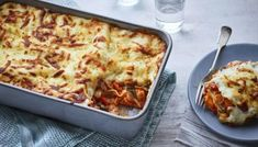 Roast sweet potato, peppers, courgette and spinach combine with an all-in-one cheese sauce to make this easy veggie lasagne. This one's a keeper. Lasagne Dish, Vegetarian Lasagne, Vegetable Lasagne, Lasagne Recipes, Vegetarian Italian, Vegetarian Recipes, Veggie Recipes Uk, Veggie Meals, Savoury Recipes