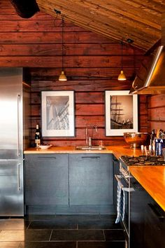 Ideas for Decorating a Family Room with Rustic Cabin Style Cabin Interiors, Log Cabin Homes, Cabin Design, Cabana, Home Kitchens, Small Cabin Kitchens, Kitchen Remodel, Kitchen Design, Modern Log Cabins